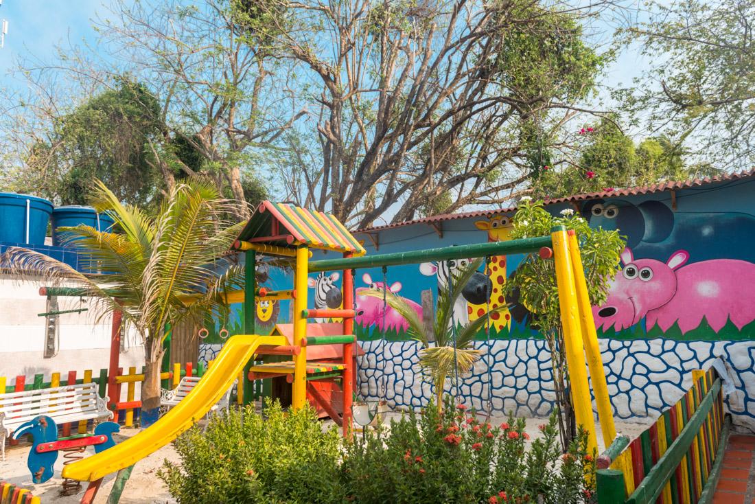 Juegos para niños — Isla Lizamar (Islas del Rosario, Colombia)