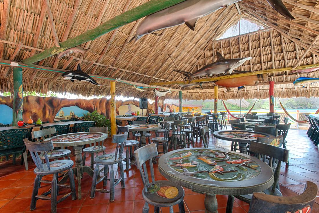 Restaurante principal — Isla Lizamar (Islas del Rosario, Colombia)